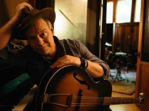 Shawn Mullins to perform at Johnson Hall