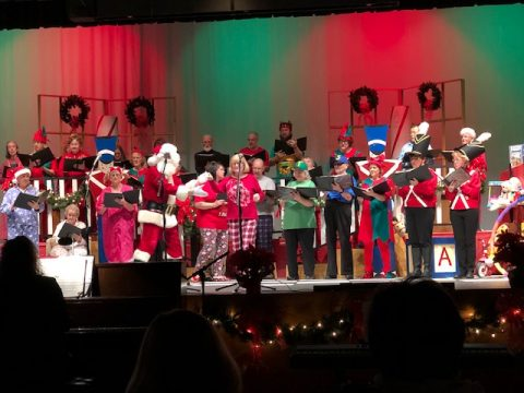 anta Claus joined in the Rumford Association for the Advancement of Performing Arts performance Saturday, Dec. 1 and Sunday, Dec. 2