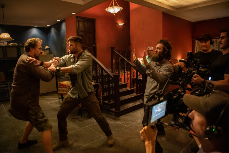 Movie Review By Lucas Allen Netflix Extraction Is Theater Worthy Fun Maine News